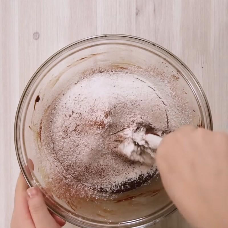 Cách làm bánh brownie socola bằng nồi cơm điện đơn giản thơm ngon bất bại - Hình 4