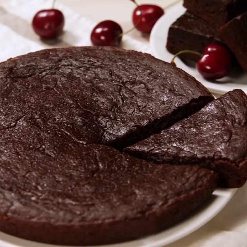 Cách làm bánh brownie socola bằng nồi cơm điện đơn giản thơm ngon bất bại - Hình 8